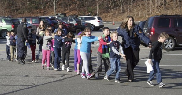 APTOPIX_Connecticut_School_Shooting-0333f-1024x535